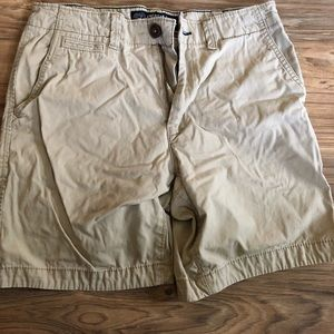 Men's tan prep fit American eagle shorts. NWOT